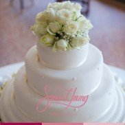 Cake with details & flowers3