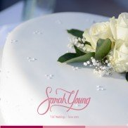 Cake with white flowers2
